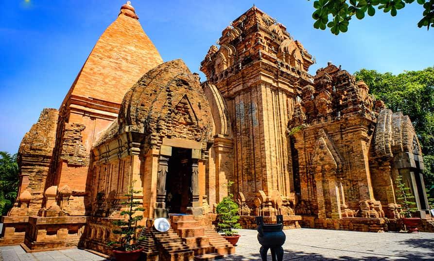 Tháp Bà Ponagar – Di sản văn hóa Chăm